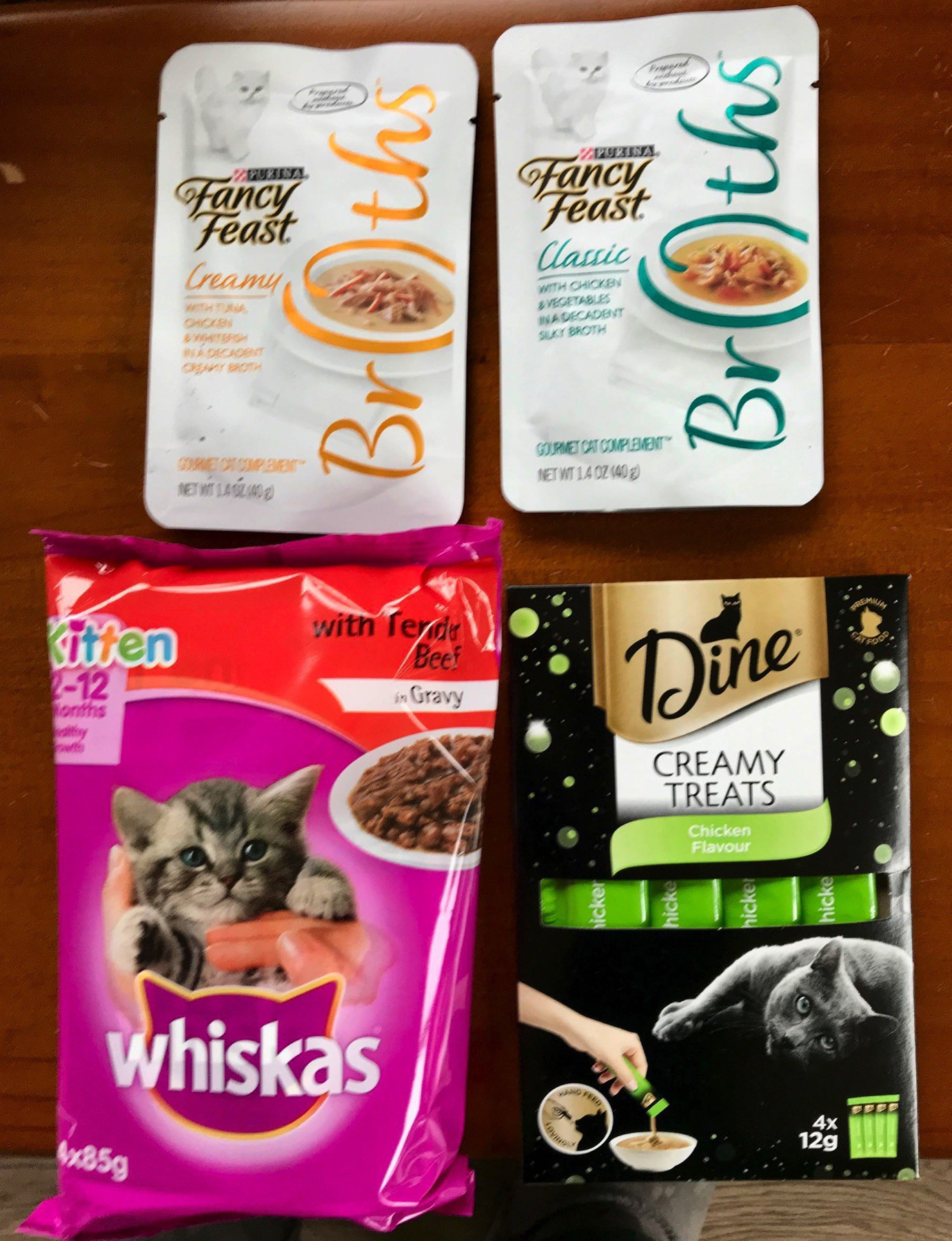 Pouches of various kinds and flavours of wet food for cats.