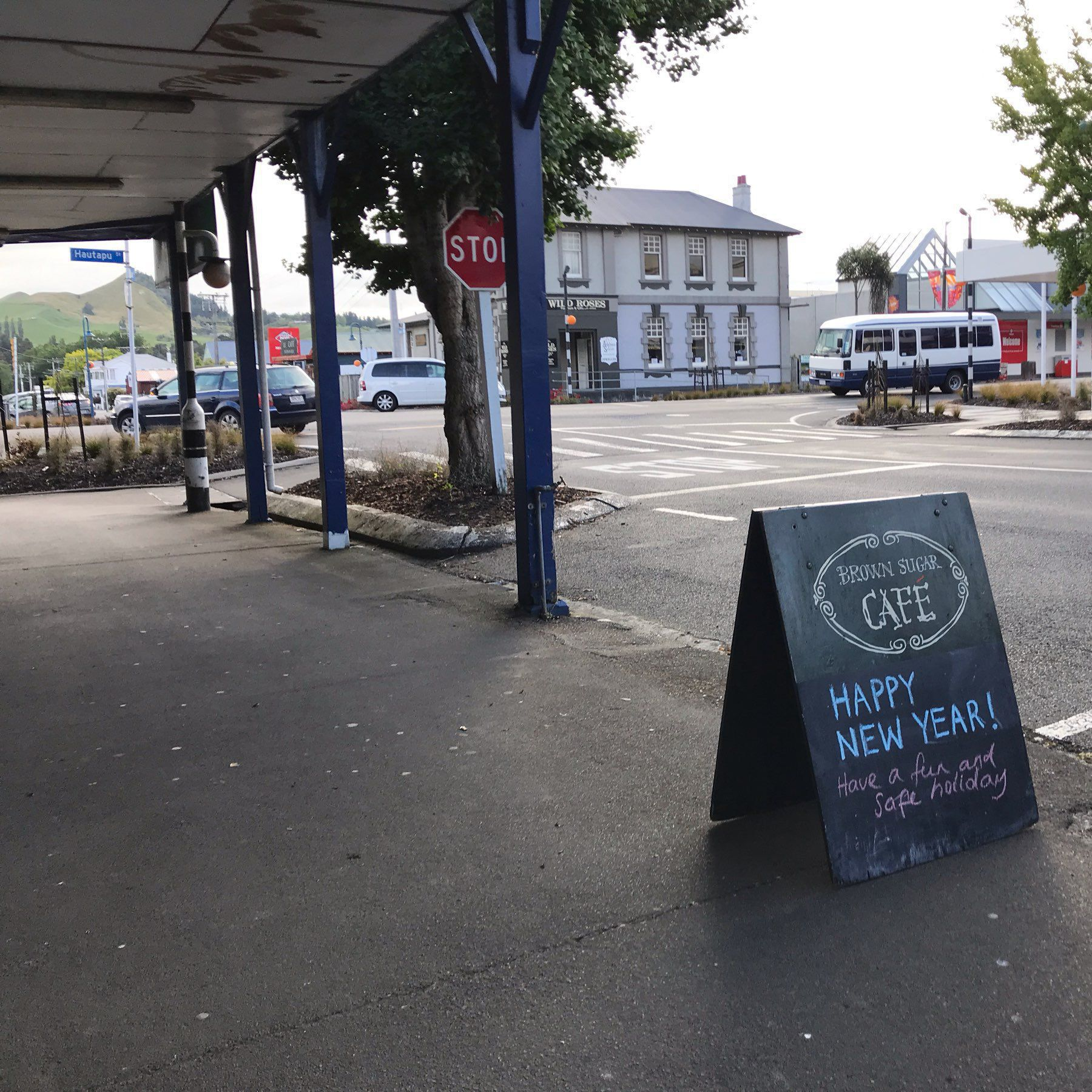 Cafe sign beside the road at Taihape.