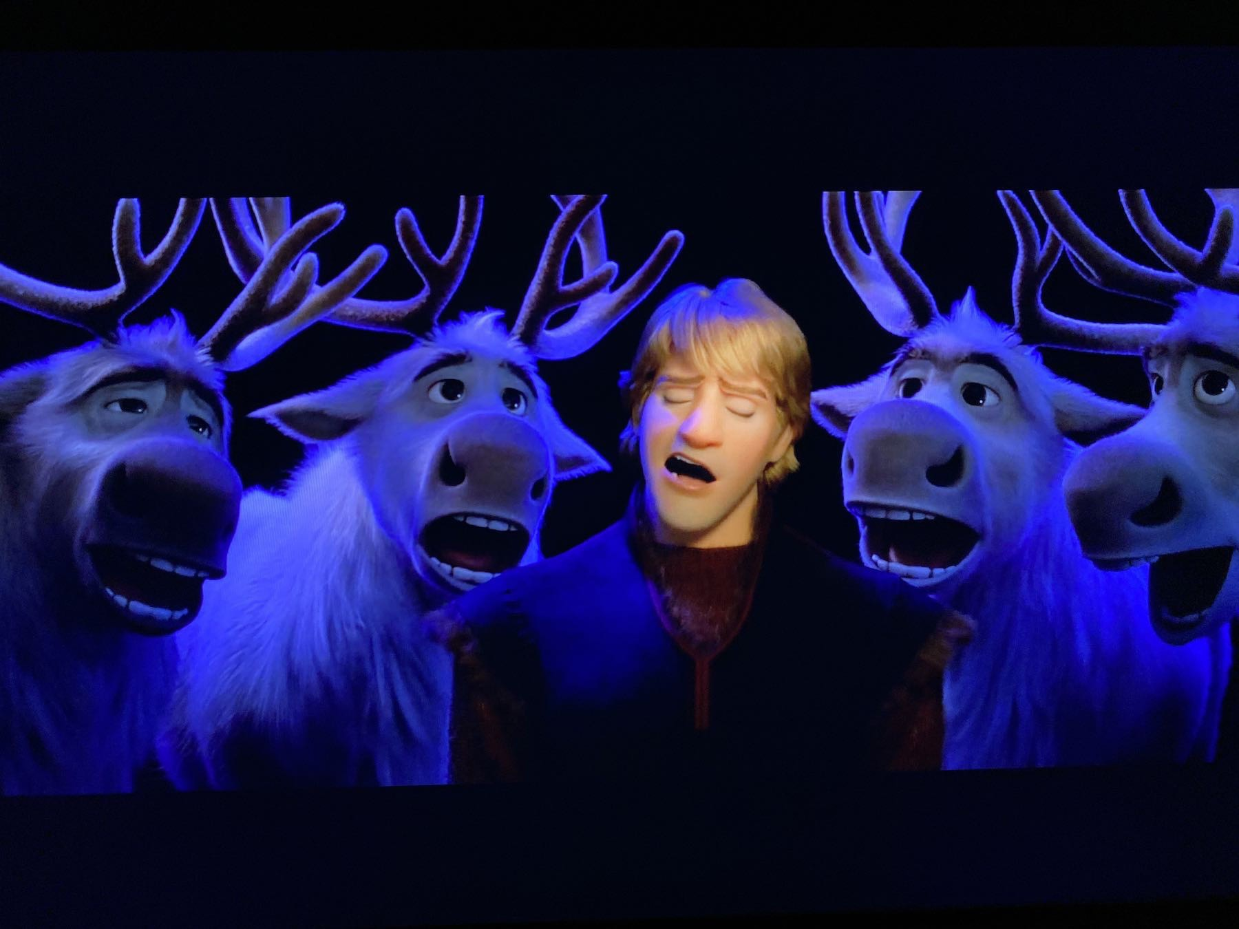 Kristof and the singing reindeer. Screenshot.