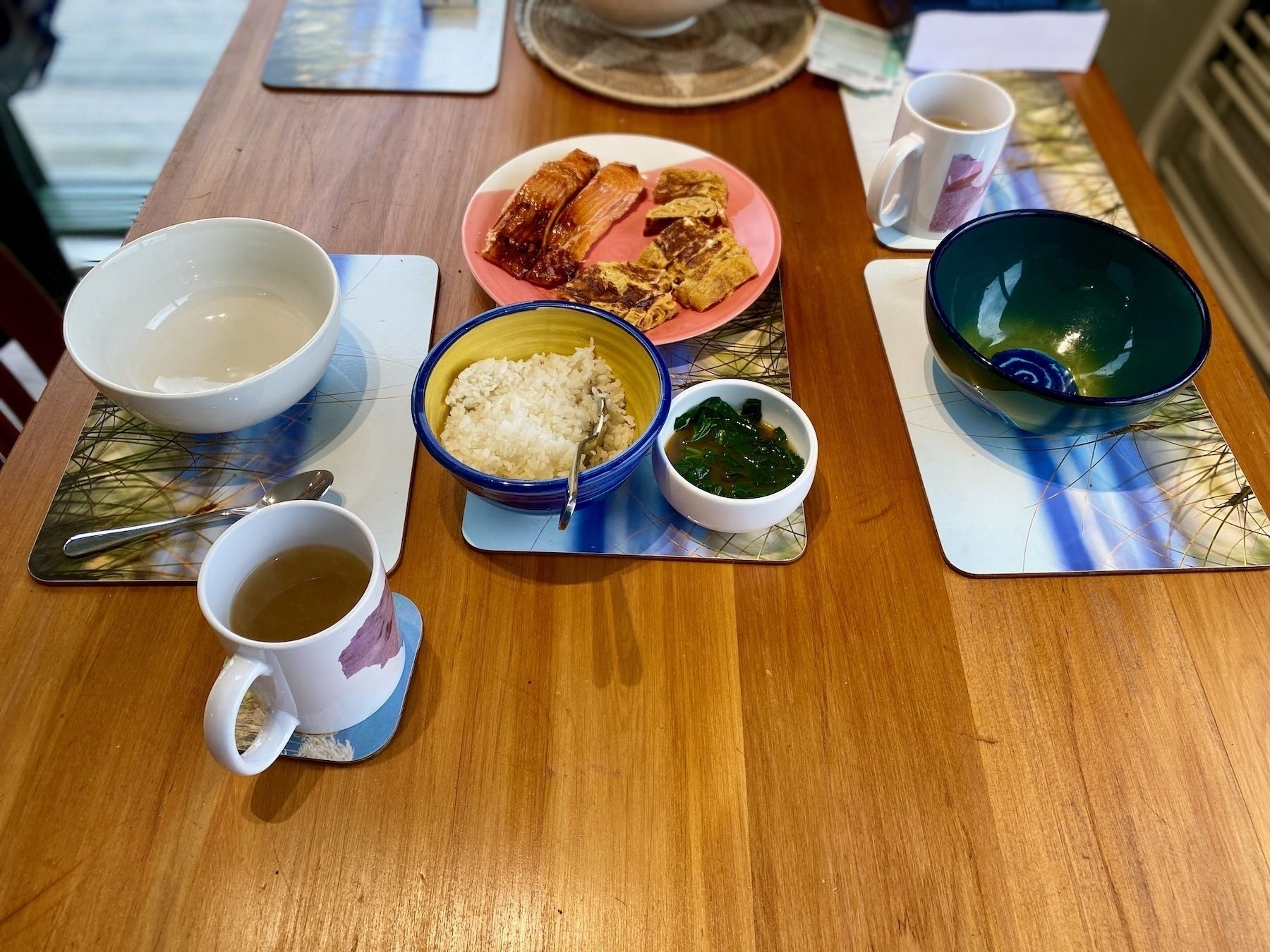 Rice, spinach, salmon, omelette, miso.