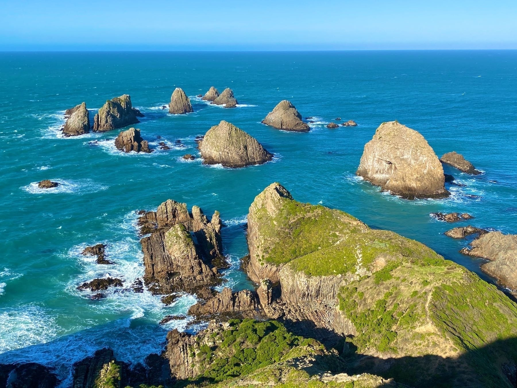 Nugget Point, Tokata, rocks east of the lighthouse.