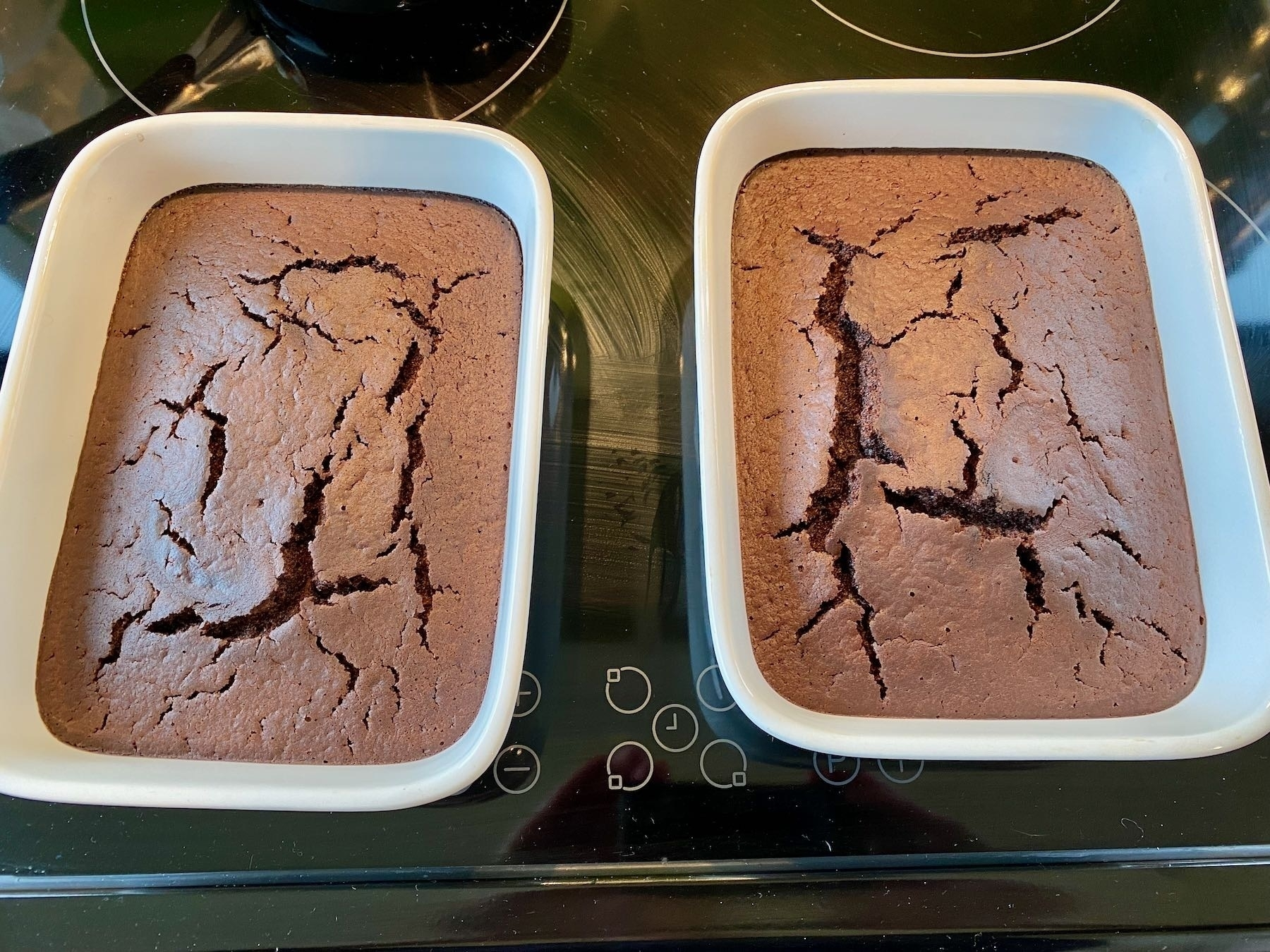 Cooked cake.
